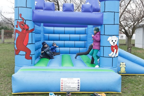 nafukovaci-hrad-detska-atrakcia-prenajom-pozicovna